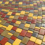 Выгодное решение в обустройстве участка тротуарной плиткой