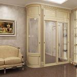 Классическая мебель для большой прихожей