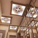 Варианты отделки потолка в прихожей