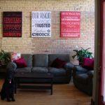 Использование постеров в оформлении жилья