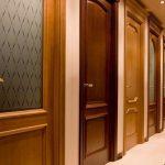 Какие межкомнатные двери лучше ставить