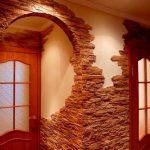 Невероятная отделка прихожей декоративным камнем
