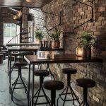 Как выбрать стол для бара, ресторана или кафе